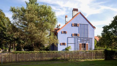 """Haus in der Gartenstadt Falkenberg, auch """"Tuschkastensiedlung"""", UNESCO Weltkulturerbe, Bohnsdorf, Berlin."""