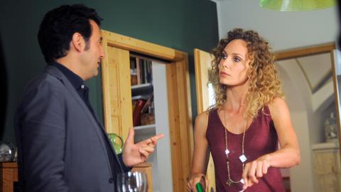 Kommissar Vincenzo (Enrico Ianniello) ist hoch erfreut, dass Silvia (Sara Zanier) für ihn neapolitanische Rezepte ausprobiert, aber zugleich ist ihm die Frau nicht ganz geheuer. Zwei ihrer Liebhaber sollen auf mysteriöse Weise verschwunden sein...