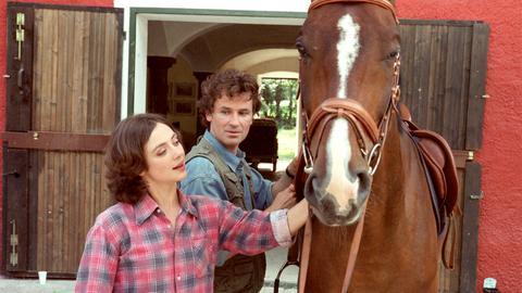 Felicitas (Julia Richter) und ihr alter Freund Valentin (Timothy Peach) haben nicht nur eine gemeinsame Vorliebe für Pferde.