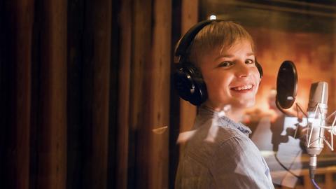 Phil bei der Aufnahme in einer Studiokabine