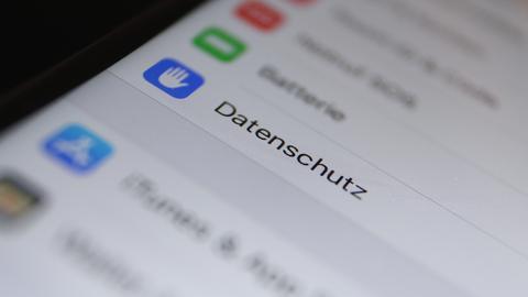 """Der Menüpunkt """"Datenschutz"""" ist in den Einstellungen eines iPhones zu lesen."""