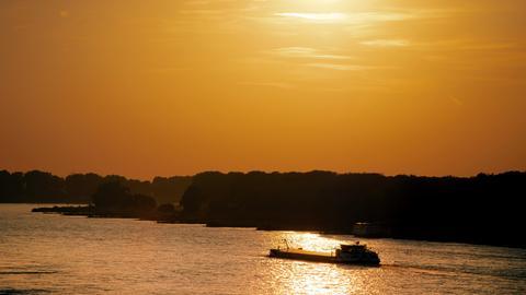 Schifffahrt am Rhein