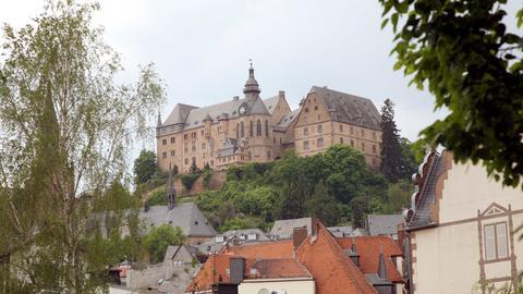 Blick auf das Landgrafenschloss der oberhessischen Universitätsstadt Marburg an der Lahn.
