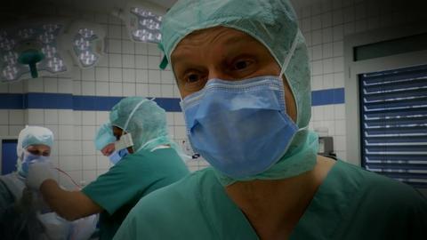 Die Gesundmacher: Dr. Ingo Tusk im OP-Saal