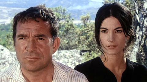 Der sardische Kleinbauer Efisio (Ugo Tognazzi) und die temperamentvolle Domenicangela (Nicoletta Machiavelli) sind nach allerlei Streit doch noch ein Paar geworden.