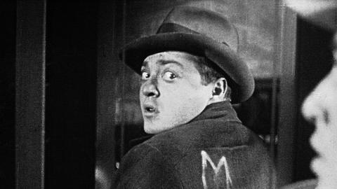 Der Mörder Hans Beckert (Peter Lorre).