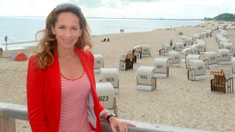 Moderatorin Tamina Kallert auf der Seebrücke von Bansin, Insel Usedom.