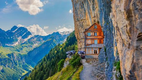 Es ist eine der schönsten Grenzregionen: das Schweizer Bodenseeufer - sauberes Wasser, die Berge direkt vor der Haustür.