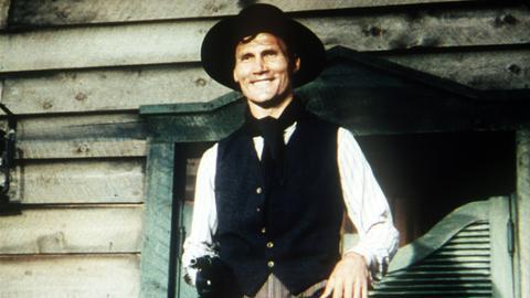Der Revolverheld Slick (Jack Palance) tötet Menschen zum Vergnügen.