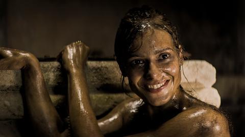 Tonka (Sally Harmsen) kann erste Erfolge vorweisen.