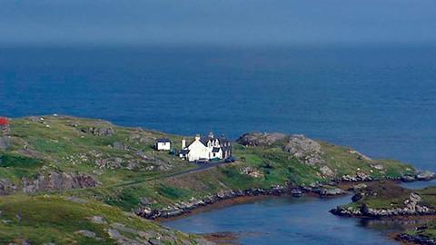 Bis heute gibt es nur wenige Strassen auf den Hebriden, viele Häuser kann man nur per Fussmarsch erreichen.