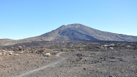 Trockene Landschaft auf Teneriffa