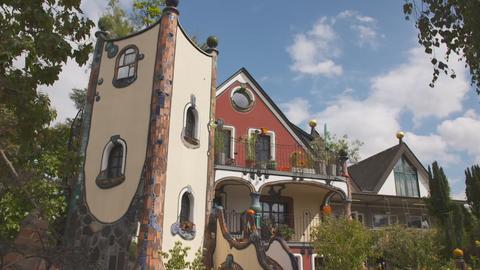 Ein Märchenhaus im Mosaik-Stil