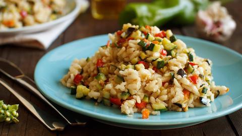 Reissalat mit Zucchini
