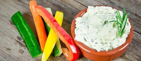Kräuterquark mit Gemüse