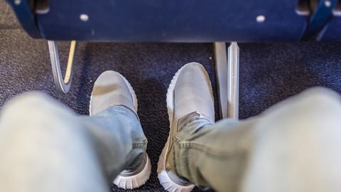 Flugzeugsitz Beine Thrombose