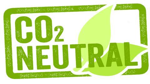 CO2 Neutral grüne Schrift mit Blättern