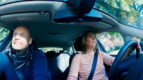 Eine Streitszene im Auto.