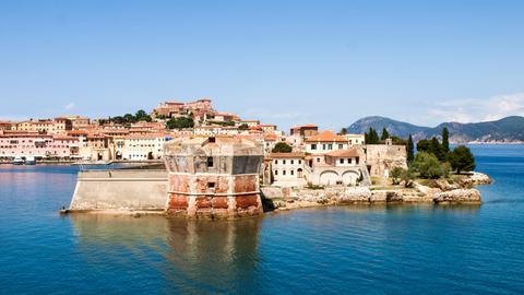Blick auf die Insel Elba.