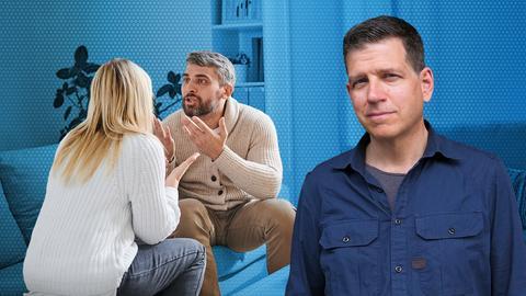 Philipp Engel schaut ernst in die Kamera. Neben ihm ist ein Paar, das angeregt miteinander diskutiert.