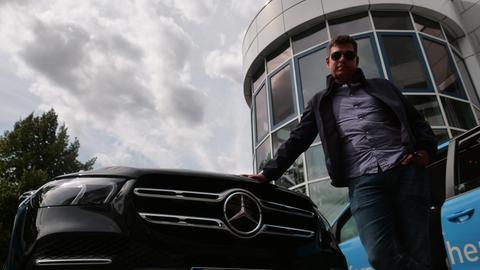 Philipp Engel im SUV