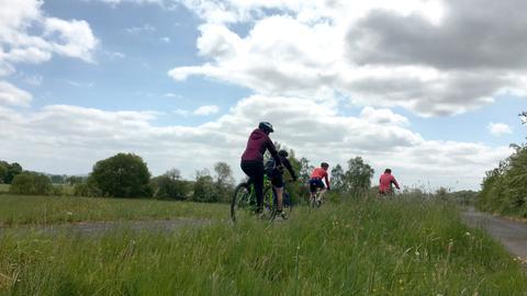Familie Betschel auf dem Rotkäppchenradweg
