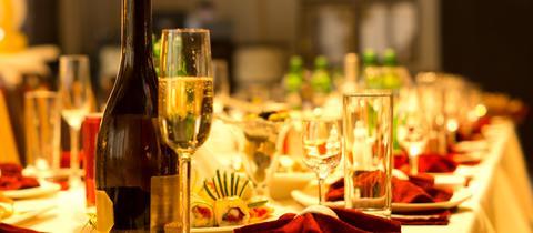 Dinner, gedeckter Tisch