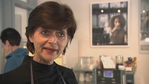 Künstlerin Renate Menneke im Portrait.
