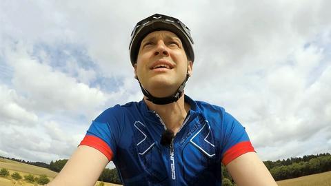Radfahrer strengt sich an