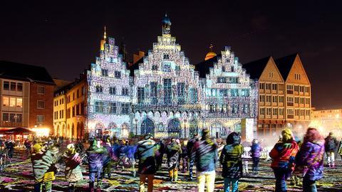 Frankfurt er Römer  am Abend Luminale