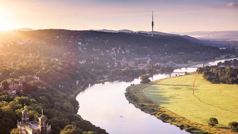 Dresden mit Blick in Richtung Sächsische Schweiz.