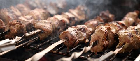 Rinderhüftspieße auf dem Grill