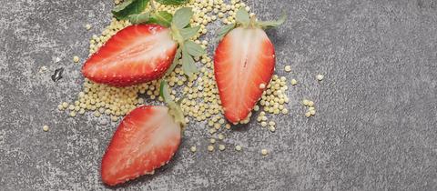 Erdbeeren und Quinoa