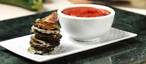 Zucchini-Chips mit Dip