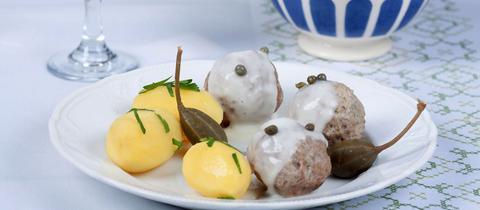 Königsbeger Klopse mit Kartoffeln