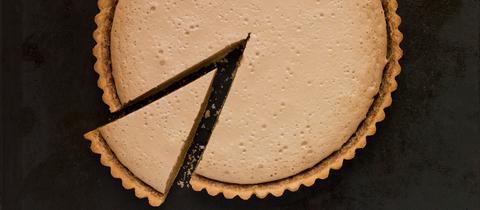 Ein angeschnittener Kuchen