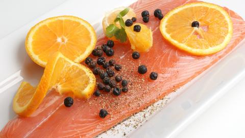 Lachs mit Orangenscheiben