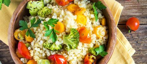 Quinoa-Salat mit Gemüse