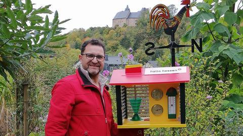 Stefan Salzmann und die hallo hessen - Wettergucker-Station.