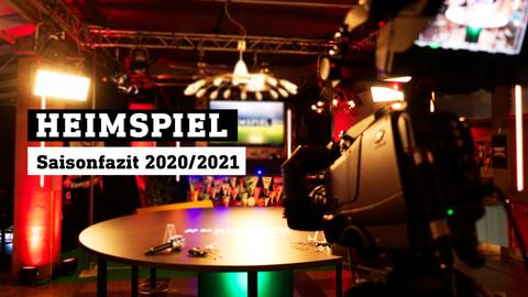 Blick ins leere Heimspiel-Studio. Text: Saisonfazit 2020/2021.