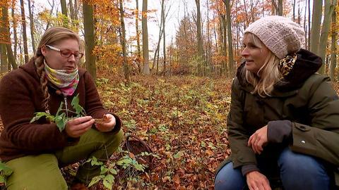 Naturerlebnisführerin Tanja Tempel und Susanne Barfuss.