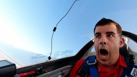 Andreas Gehrke während eines Loopings im Segelflieger
