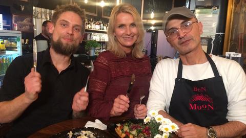 Winterliche Ausflugstipps - Susanne Barfuß mit dem Team von Moon Coffee & Waffel