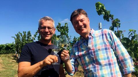 Dieter Voss und mit Winzer Reiner Flick.