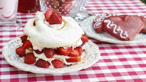 Erdbeer-Pavlova