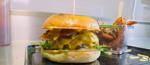 Burger von den Graveyard Burger Guys