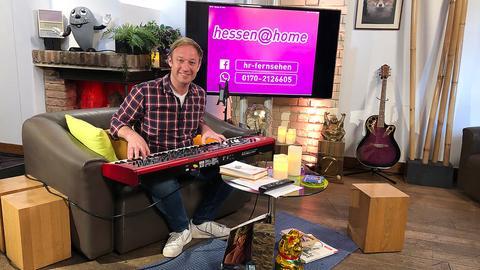 Tobi Kämmerer spielt Keybaord