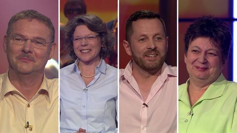 Die vier Hessenquiz-Kandidaten (v.l.): Dirk aus Fuldatal, Catherine aus Friedrichsdorf, Magnus aus Selters und Gabriele aus Alzenau.