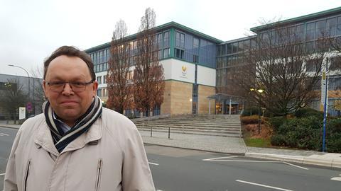 Die Pleite des weltweit ältesten Tourismus-Konzerns hat auch ihn schwer getroffen: Reiseverkehrskaufmann Peter aus Oberursel hat seinen Job verloren.