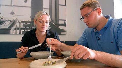 Jungbauer Sven Damm hat zusammen mit seiner Frau Christin mit dem Bau von Hessens erster Garnelenzucht begonnen. Der elterliche Betrieb mit konventioneller Landwirtschaft ist für ihn nicht lukrativ genug.